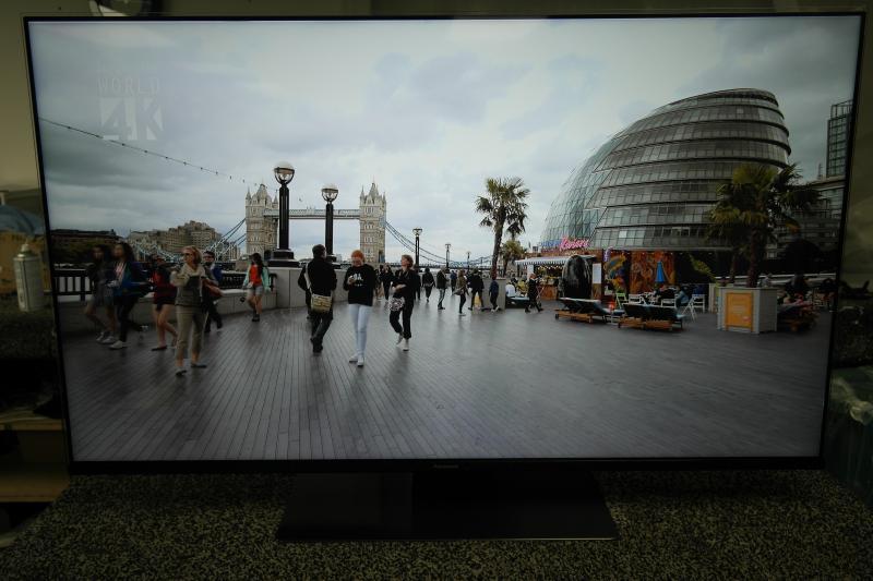 "49"" Panasonic TX-49FX740B 4K Ultra HD HDR Smart LED TV"